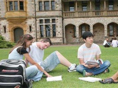 中国赴美留学生人数增速放缓,总数较去年增长16.5%