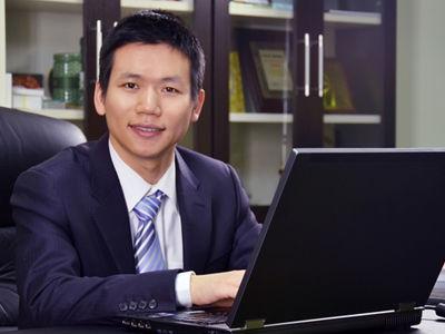 张邦鑫成马云湖畔大学二期学员,唯一一位教育行业代表
