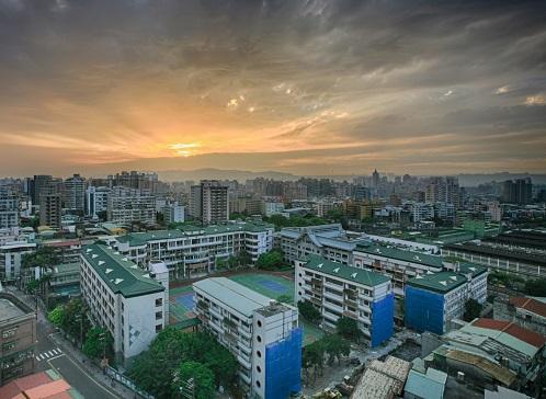 紫光学大拟在厦门市海沧区开办十二年一贯制民办学校
