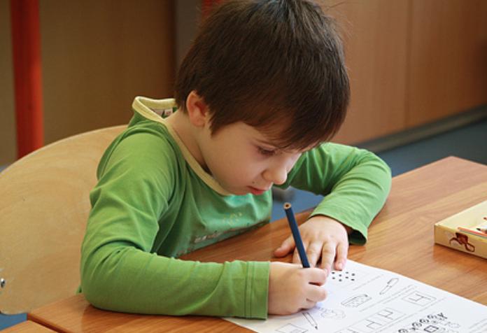 政协一号提案关注教育:建议将学前三年教育纳入义务教育