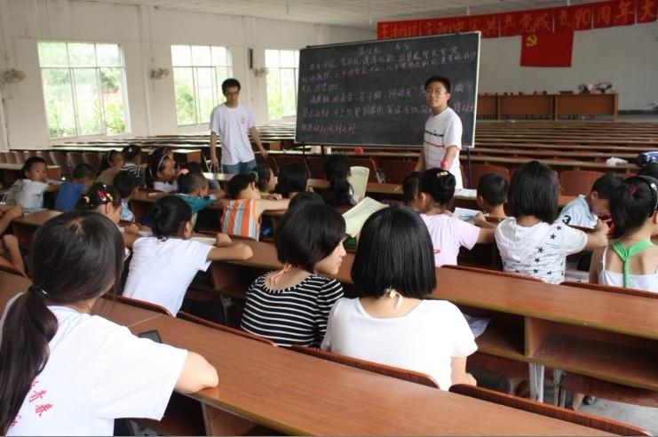 学大交震后辅导成绩单:30名教师支教