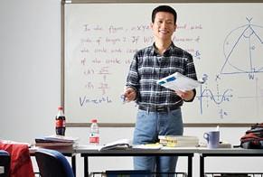 张邦鑫:投资在线教育足够早是好事