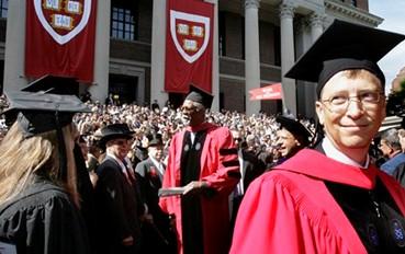 不愿被叫辍学生,比尔•盖茨如何看高等教育和远程教育?