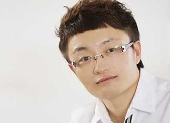 人才争夺战!原新东方名师贾佶和谢侃加盟100教育